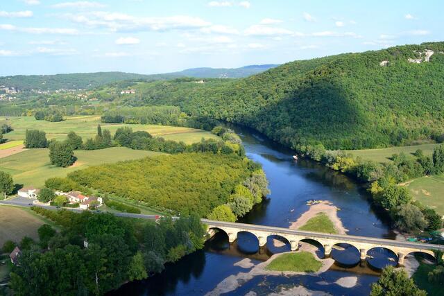 river-890636_1920.jpg